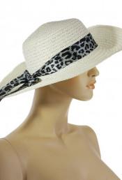 Шляпа с лентой сливочного цвета